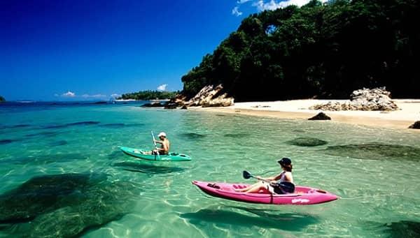 Nét hấp dẫn của Krabi là còn giữ khá trọn nguyên vẻ đẹp của một hòn đảo hoang sơ đầy bí ẩn