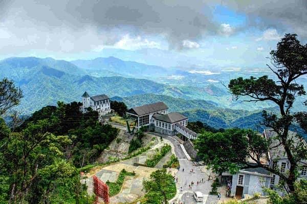 Bà Nà là ngọn núi cao và đẹp nhất Đà Nẵng