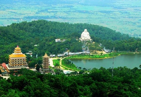 Núi Cấm là ngọn núi cao nhất trong hệ thống bảy núi ở An Giang