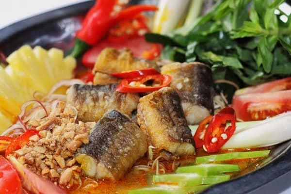 Lươn um nước dừa níu chân du khách Cà Mau