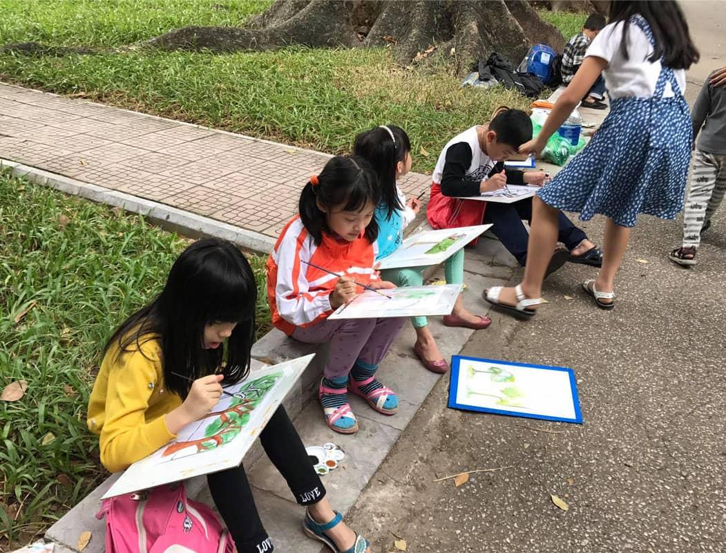 Công viên Bách Thảo Hà nội là nơi diễn ra nhiều hoạt động ngoại khóa như vẽ tranh