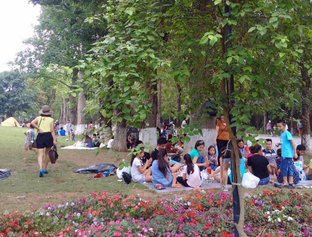 Khu đô thị EcoPark là địa điểm dã ngoại gần Hà Nội mà cả giả đình không thể bỏ qua cuối tuần