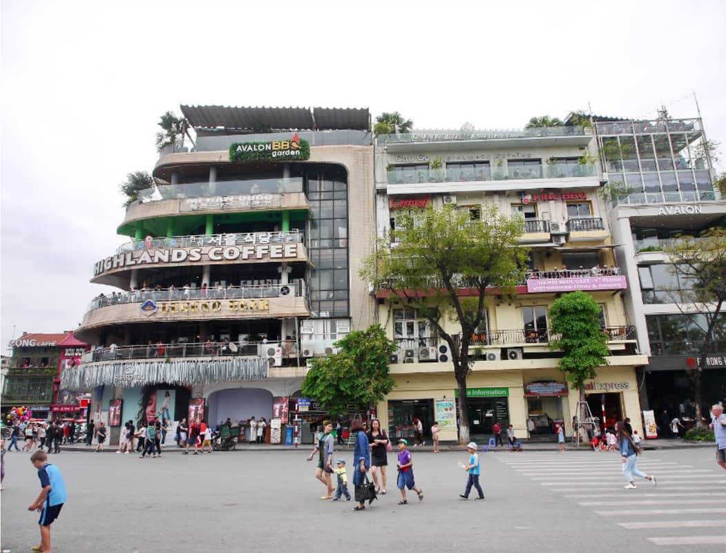 Avalon Cafe Lounge nằm ở vị trí đắc địa gần Hồ Gươm Hà Nội