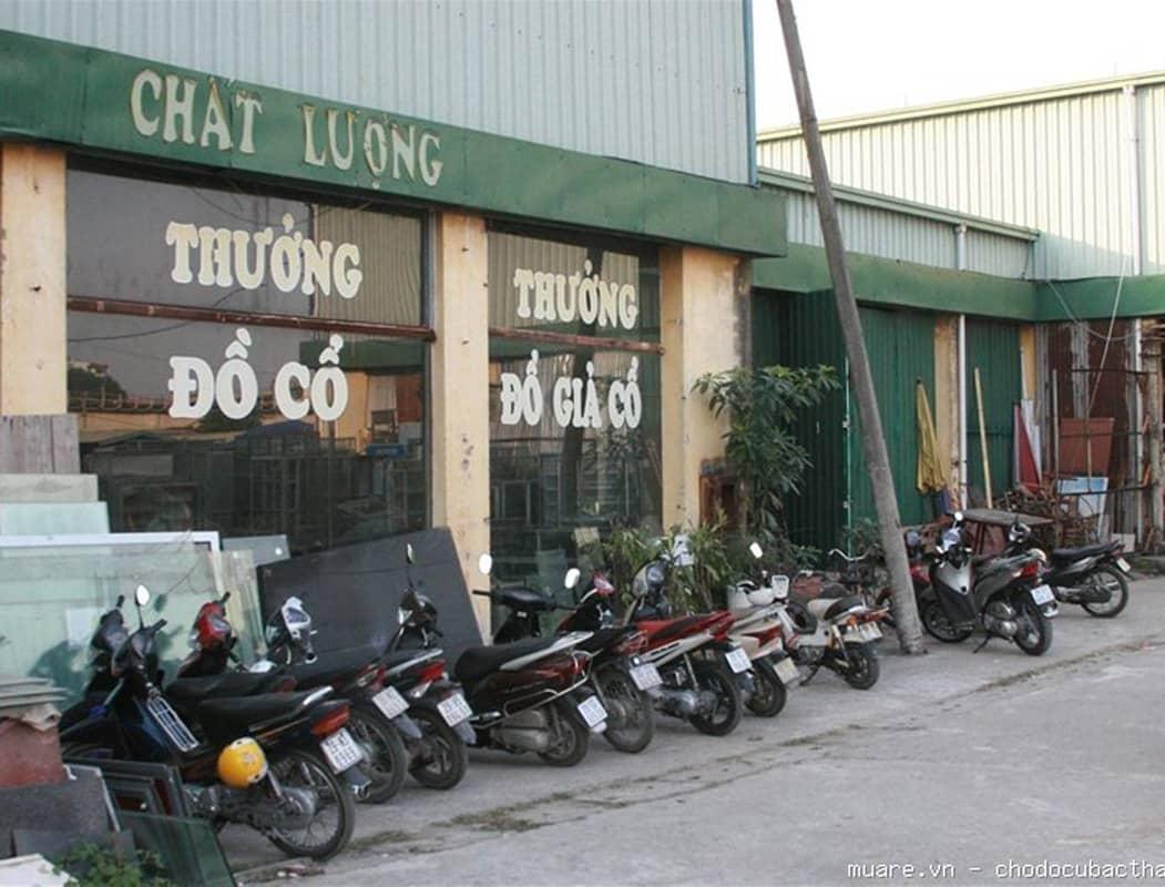 Chợ đồ cũ Thương Thương