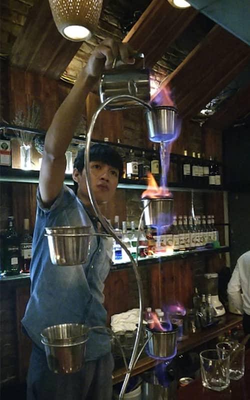 Nghệ thuật pha chế tại Mojito Bar & Lounge