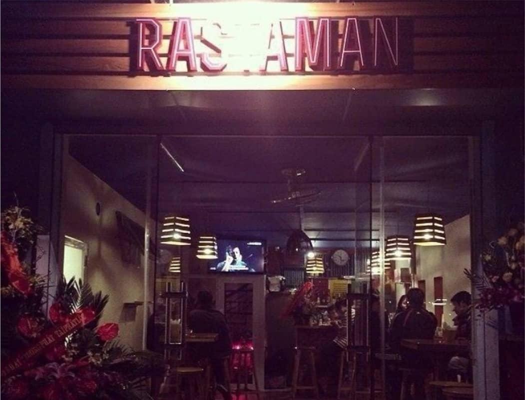Rastaman Pub là một trong những quán Pub Hà Nội nổi tiếng