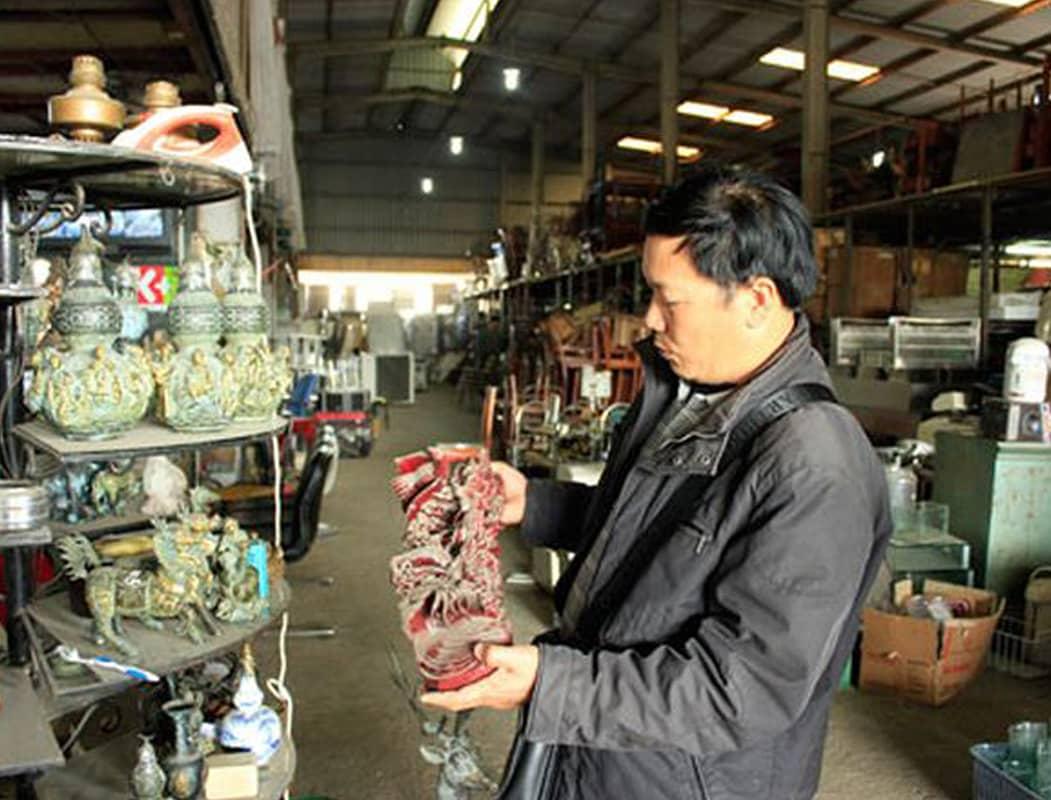 Chợ đồ cổ Thương Thương - nơi bán cả đồ cổ và đồ cũ