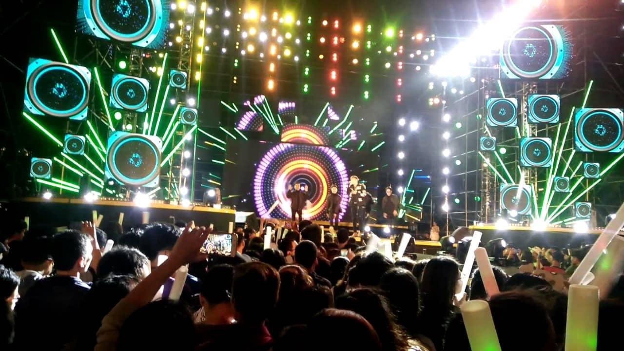 Không khí sôi động diễn ra trước đó tại Đại nhạc hội Viettel Tp. Hồ chí Minh ngày 16.07.2017