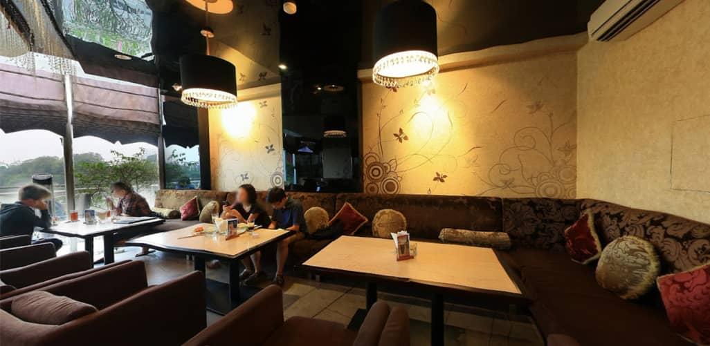 Không gian sang trọng ở Avalon Cafe