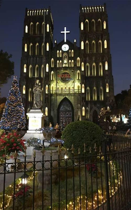 Lễ giáng sinh tại nhà thờ lớn Hà Nội