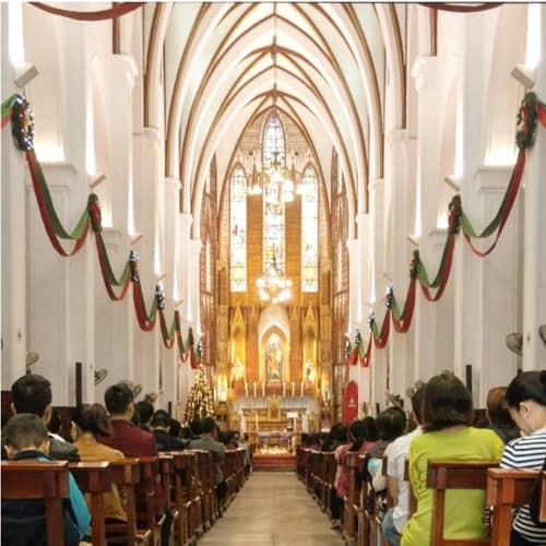 Lễ tại nhà thờ lớn Hà Nội