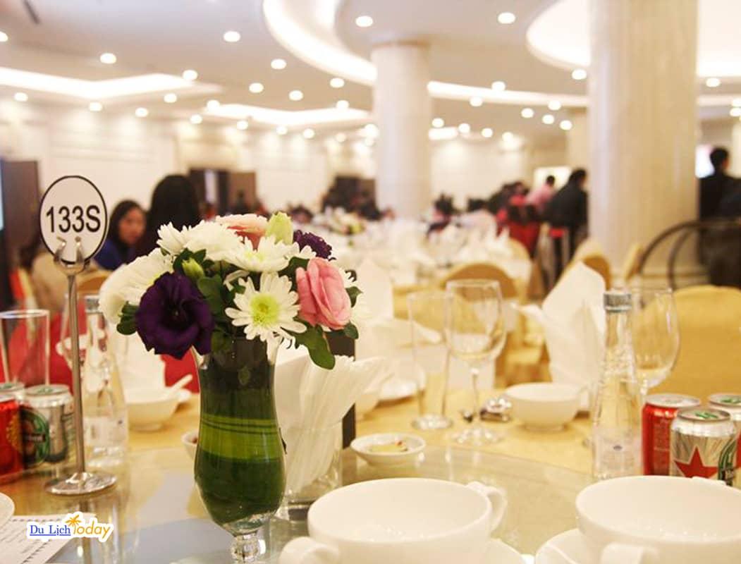 Trung tâm ẩm thực và hội nghị Almaz
