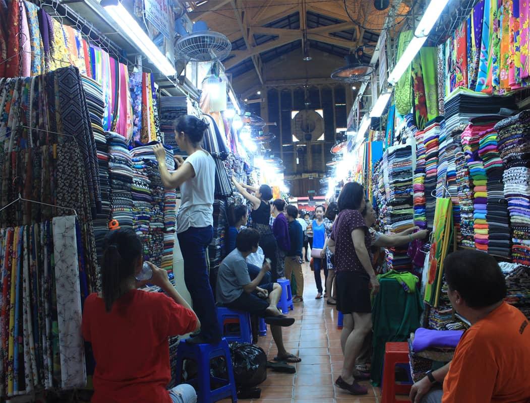 Chợ đêm Nhà Xanh Cầu Giấy - chợ đêm lớn nhất Hà Nội