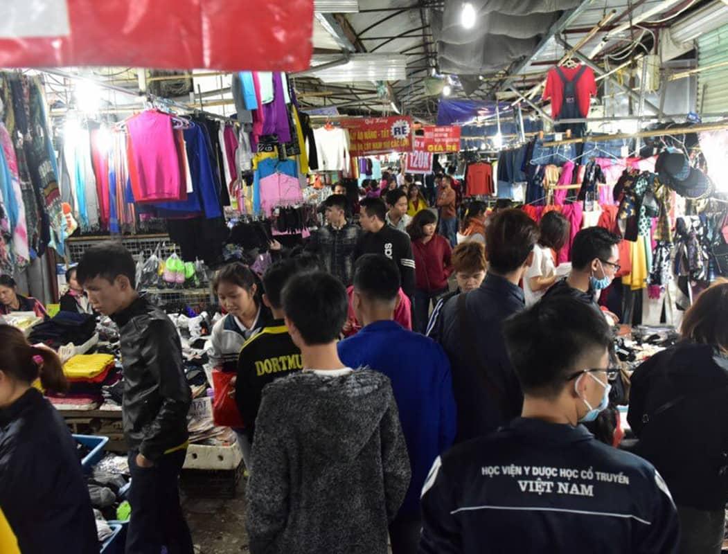 Chợ đêm sinh viên Phùng Khoang - một địa điểm mua sắm buổi tối cho sinh viên