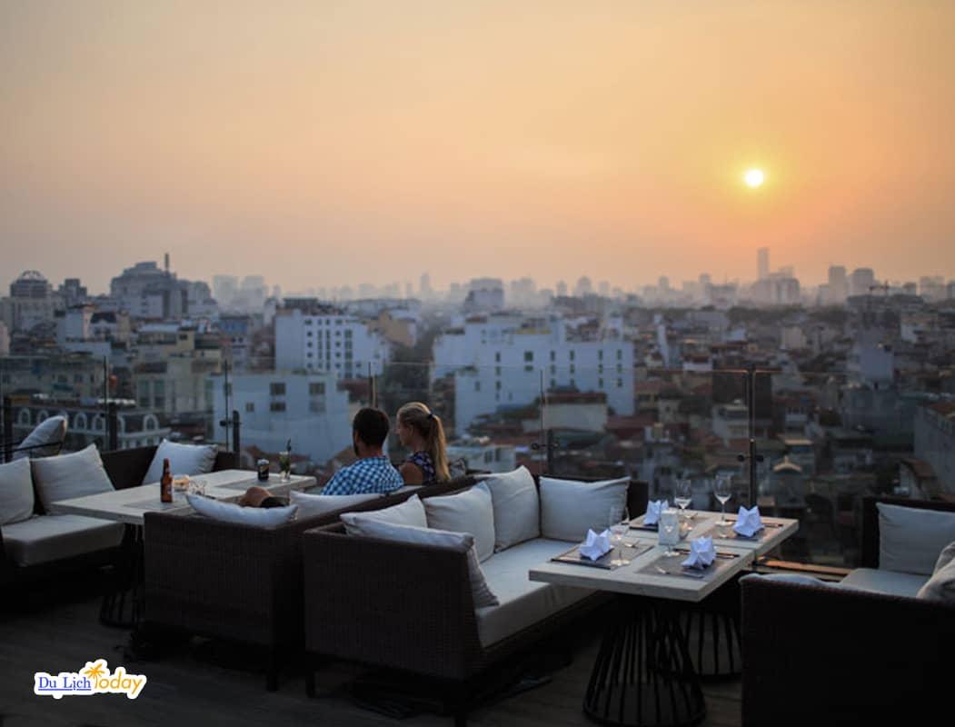Nhà hàng Skyline - Địa điểm tổ chức sinh nhật 2 người Hà Nội