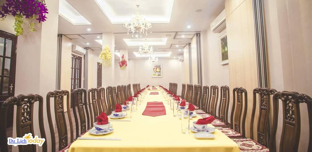 Nhà hàng Phù Đổng - một trong những địa điểm tổ chức sinh nhật ở Hà Nội cho các đoàn thể
