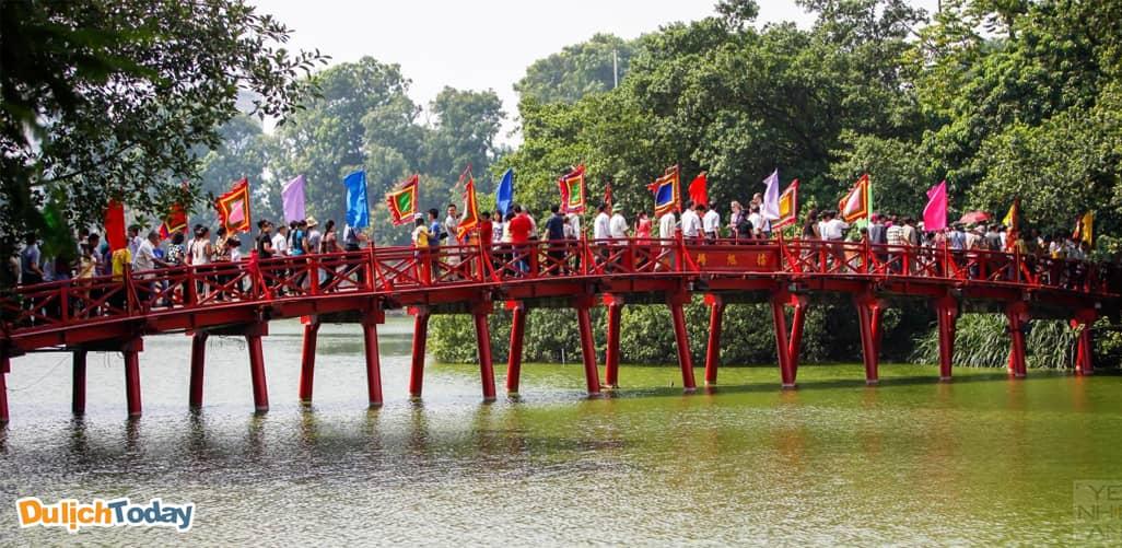 Đền Ngọc Sơn - địa điểm du xuân ở Hà Nội