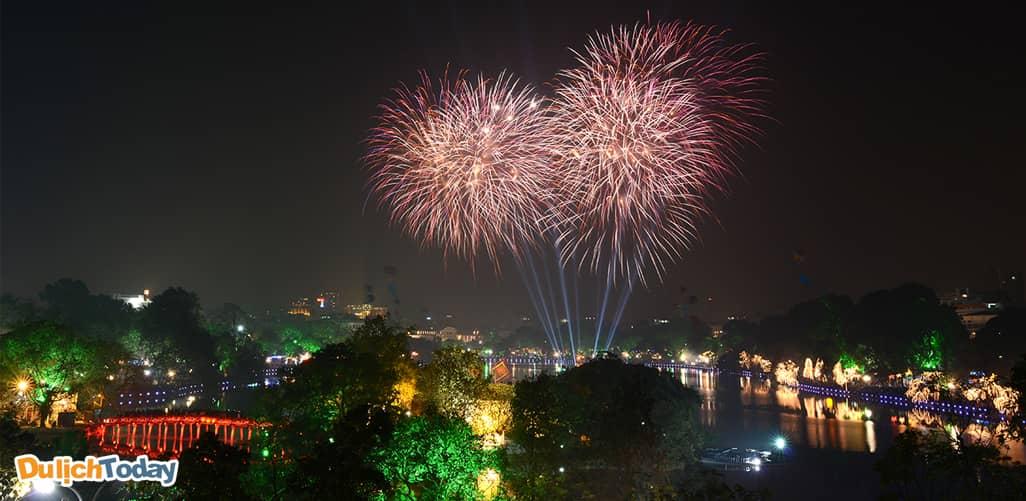 31 địa điểm Hà Nội bắn pháo hoa 2018