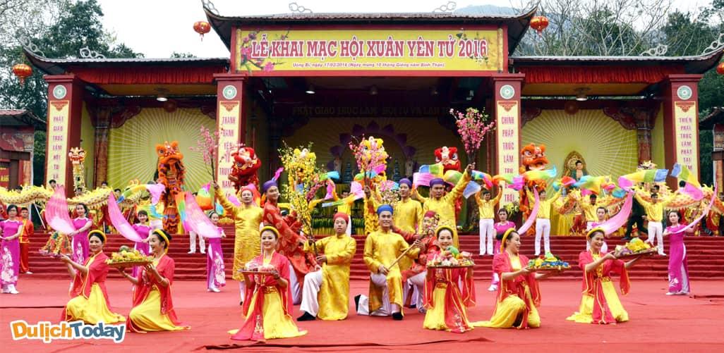 Lễ hội Yên Tử - địa điểm du xuân gần Hà Nội