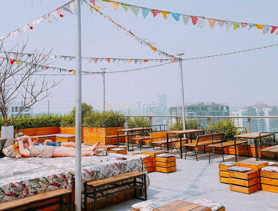 Trill Rooftop Cafe Hà Nội