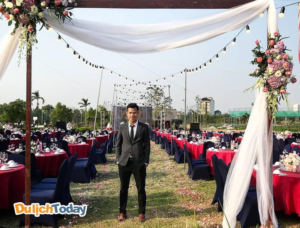 Địa điểm tổ chức sự kiện tại công viên hoa hồng