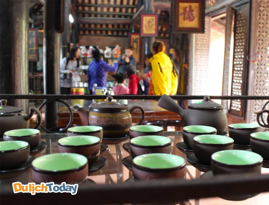 Đồ gốm sứ tại Thiên Đường Bảo Sơn