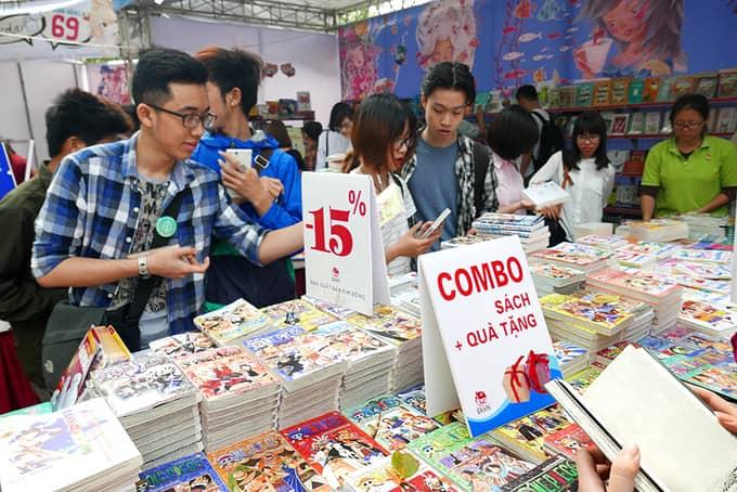Hội sách thu hút các bạn trẻ yêu sách đến tham gia