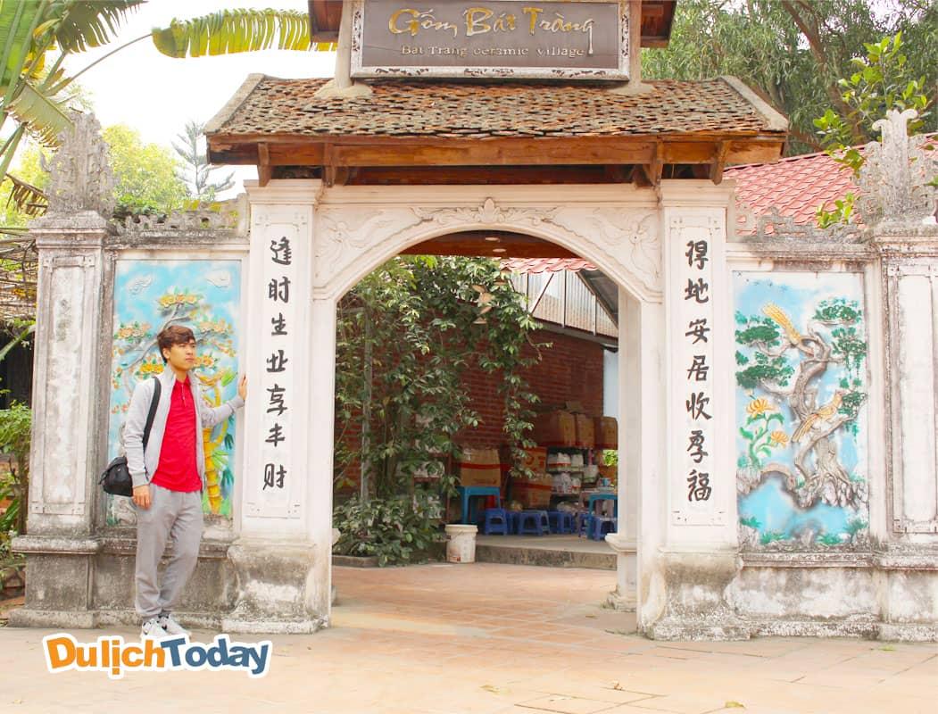 Làng gốm Bát Tràng tại công viên Thiên Đường Bảo Sơn