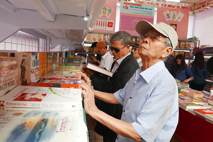 Người đọc cao tuổi cũng quan tâm ngày hội sách
