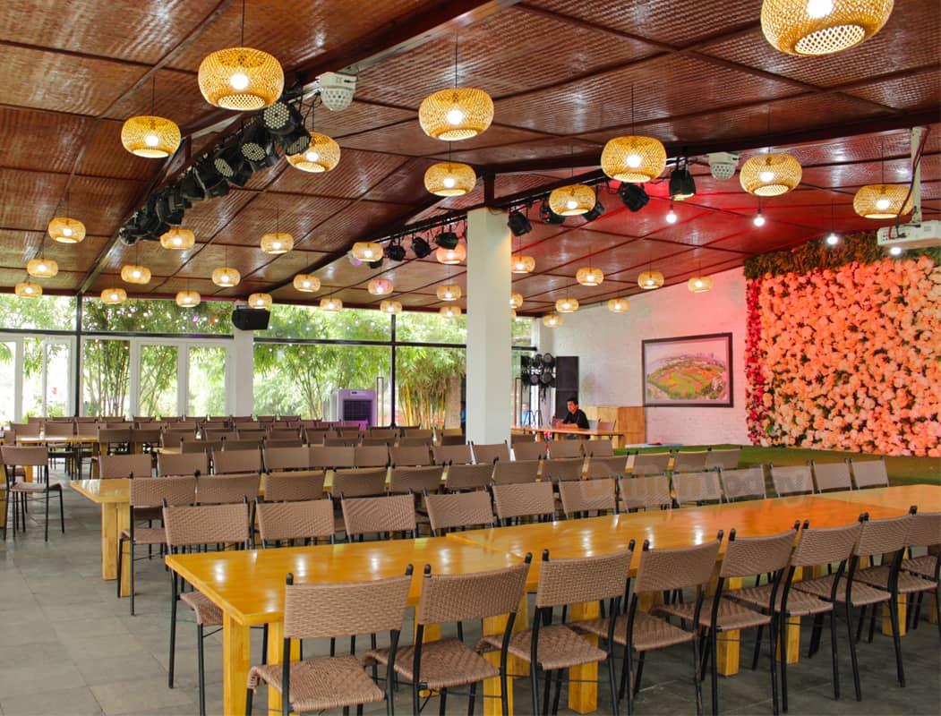 Nhà hàng thung lũng hoa Hồ Tây với sức chưa lên đến 400 khách