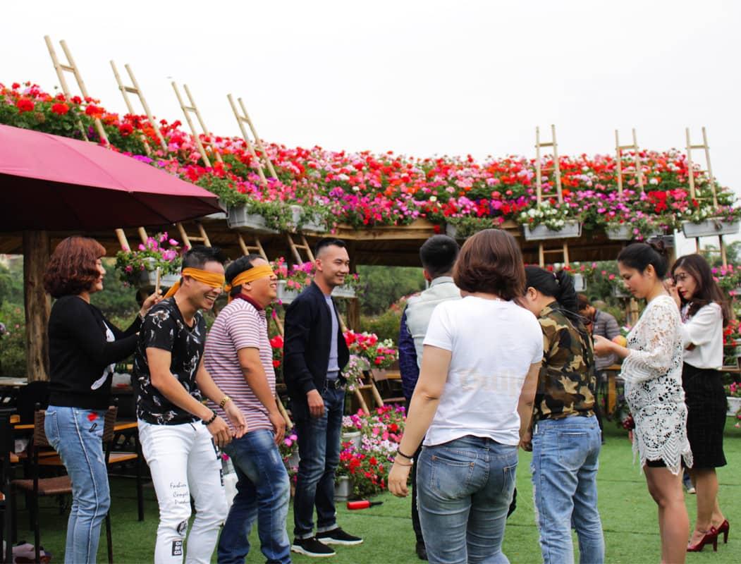 Những hoạt động team building sôi nổi tại thung lũng hoa