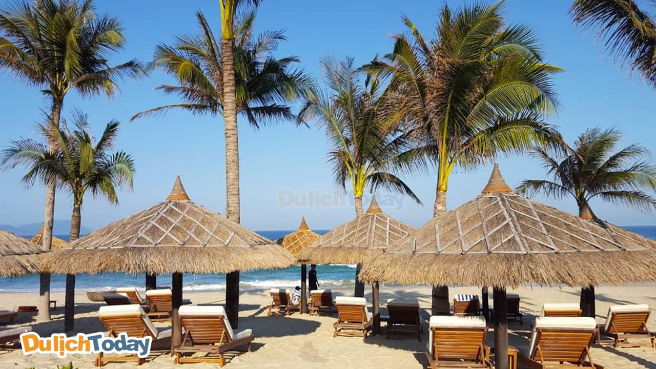 Bãi biển với chòi nghỉ dưỡng của The Anam