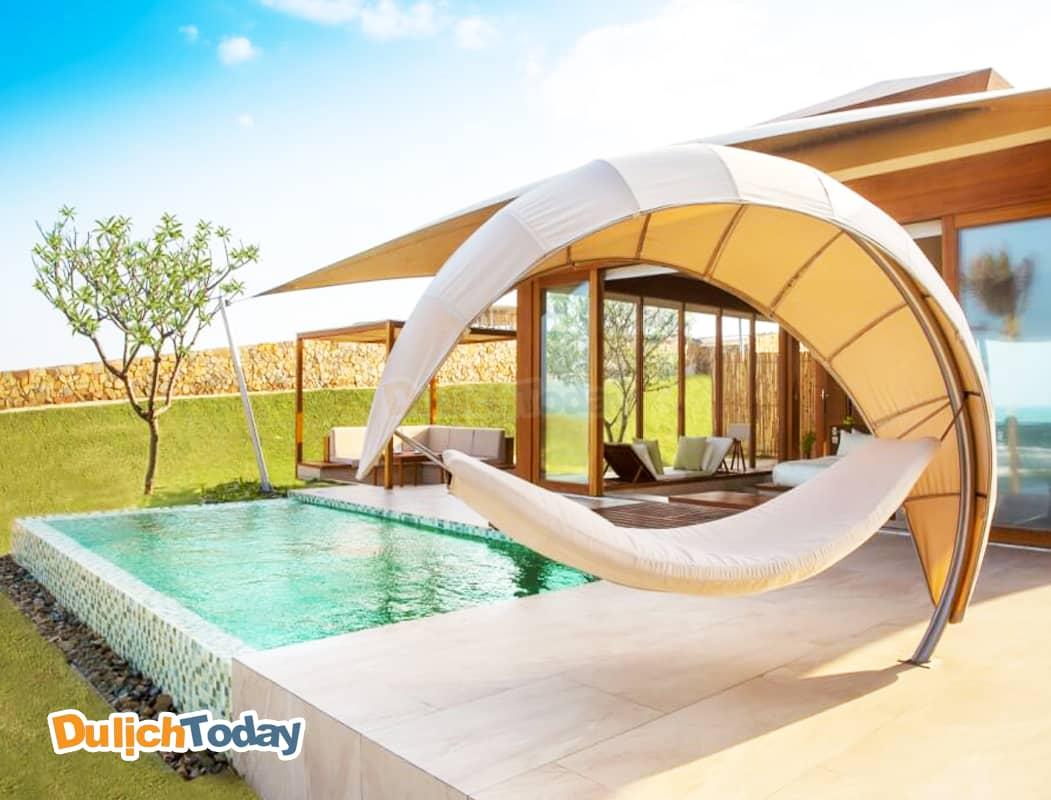 Fusion thiết kế villa theo kiến trúc nhà vườn hiện đại kèm hồ bơi