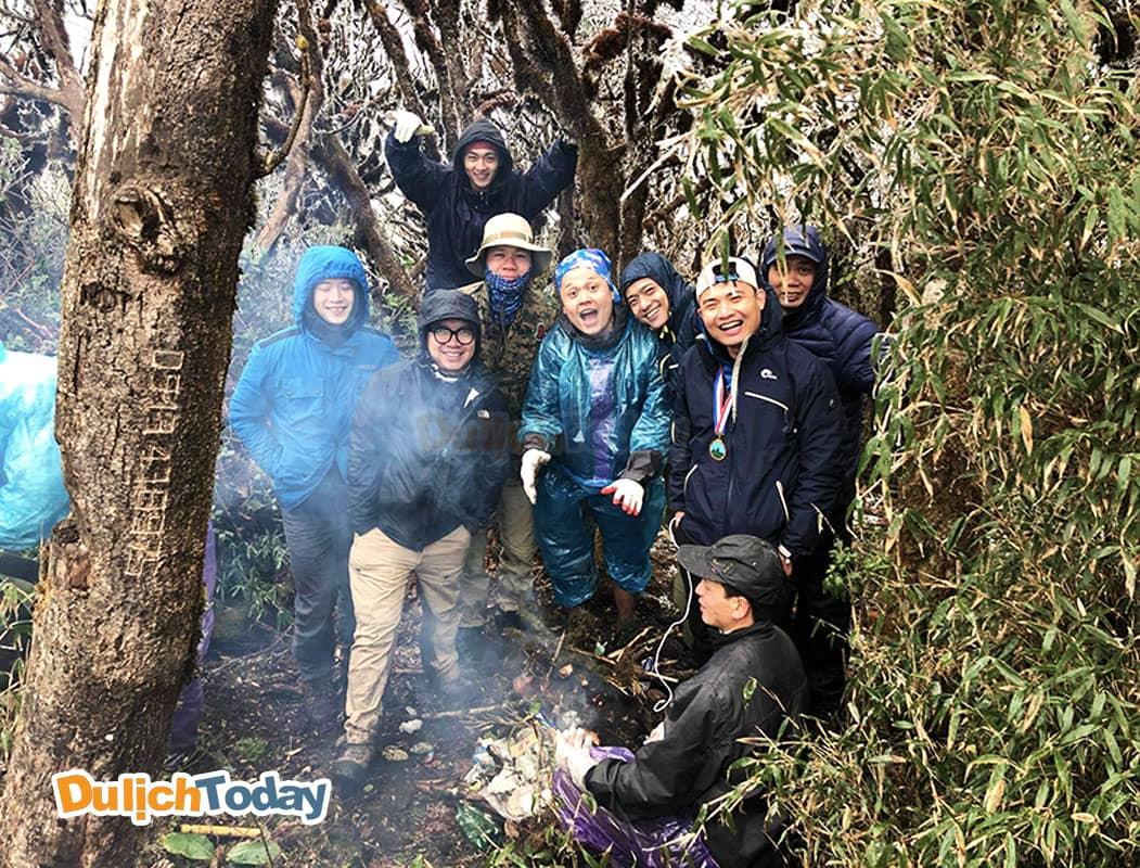 Chặng thứ 2 từ mốc 2400m đến đỉnh Putaleng