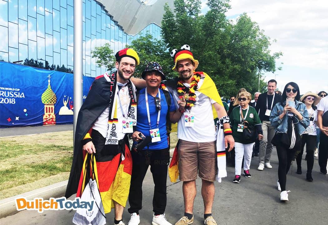 """Đức nổi tiếng với những """"mỹ nam vạn người mê"""". Trang phục của Đức tuy đơn giản nhưng vẫn vô cùng nổi bật."""
