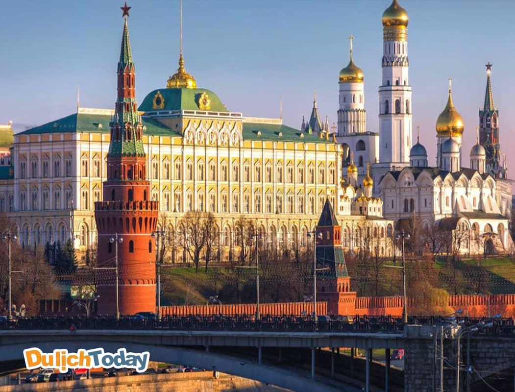 Quần thể điện Kremlin - cơ quan đầu não của Nga