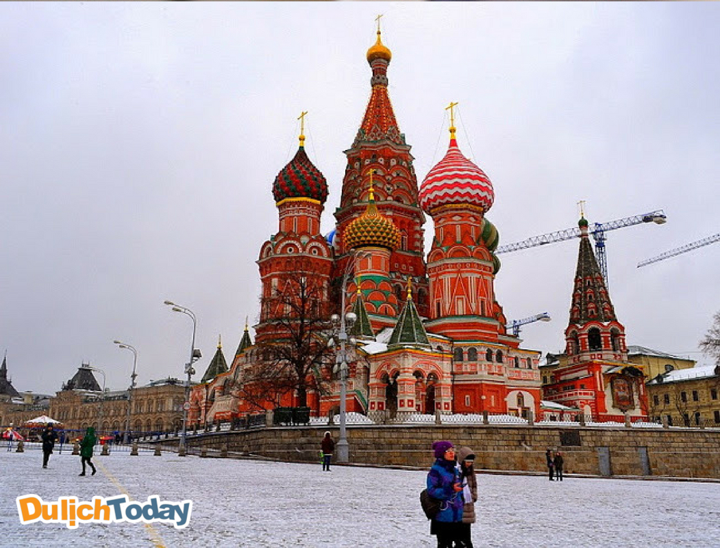Nhà thờ St. Basil - địa điểm du lịch du khách ưa thích nhất khi đến Moscow