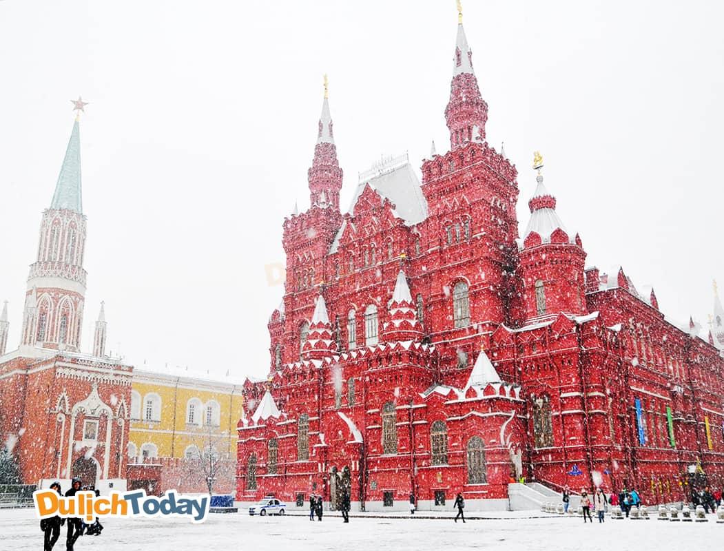 Quảng trường Đỏ rực rở trong mùa đông của nước Nga