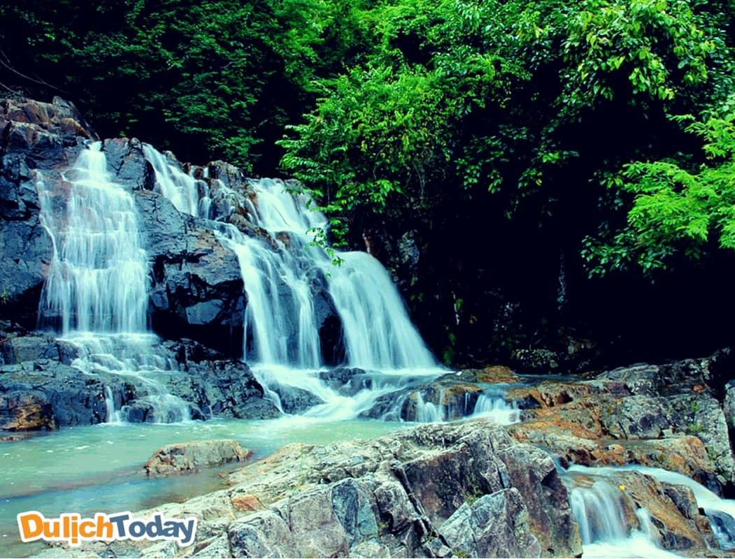 Suối Đổ ở Nha Trang hoang sơ hùng vĩ