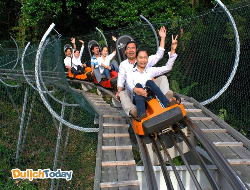 Bạn sẽ được tham gia nhiều trò chơi thú vị tại Vinpearl Land khi đặt phòng tại Vinpearl Resort Nha Trang