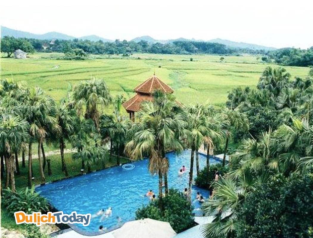 Family Resort gây ấn tượng bởi không gian xanh mát và thanh bình