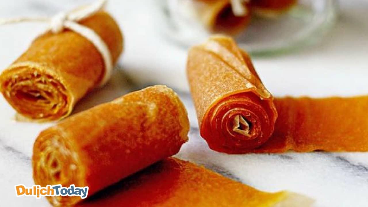 Bánh tráng xoài là đặc sản vô cùng phổ biến ở Nha Trang