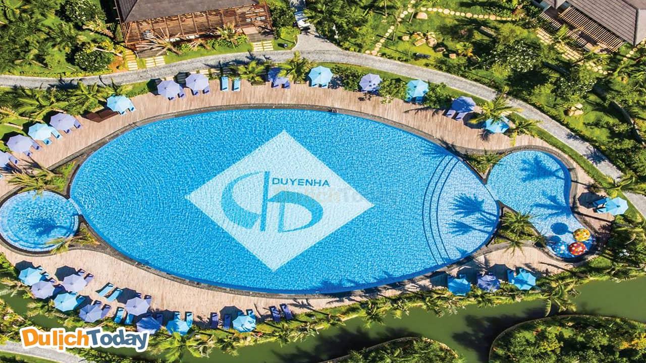 Toàn cảnh bể bơi tại Duyên Hà resort Nha Trang