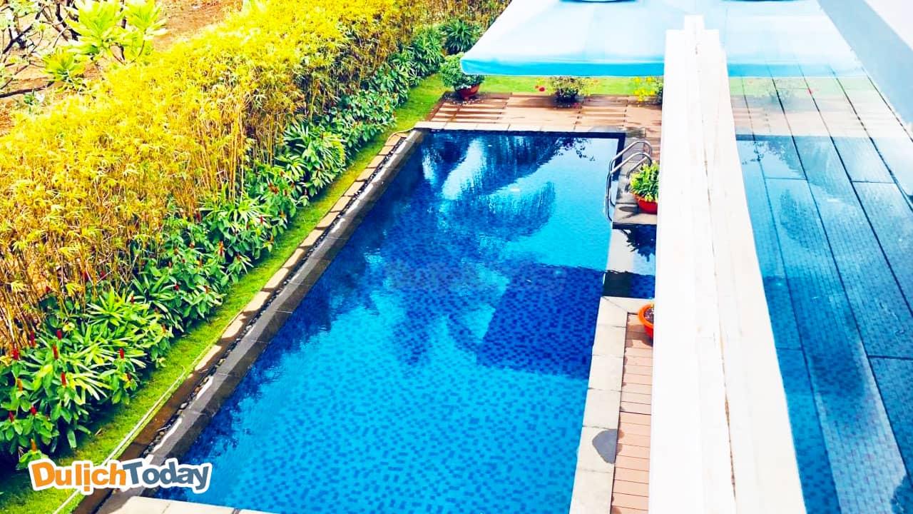 Bể bơi tại biệt thự Blue Sea