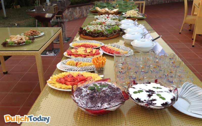 Bữa ăn tại Thảo Viên Resort với những nguyên liệu tươi mới nhất