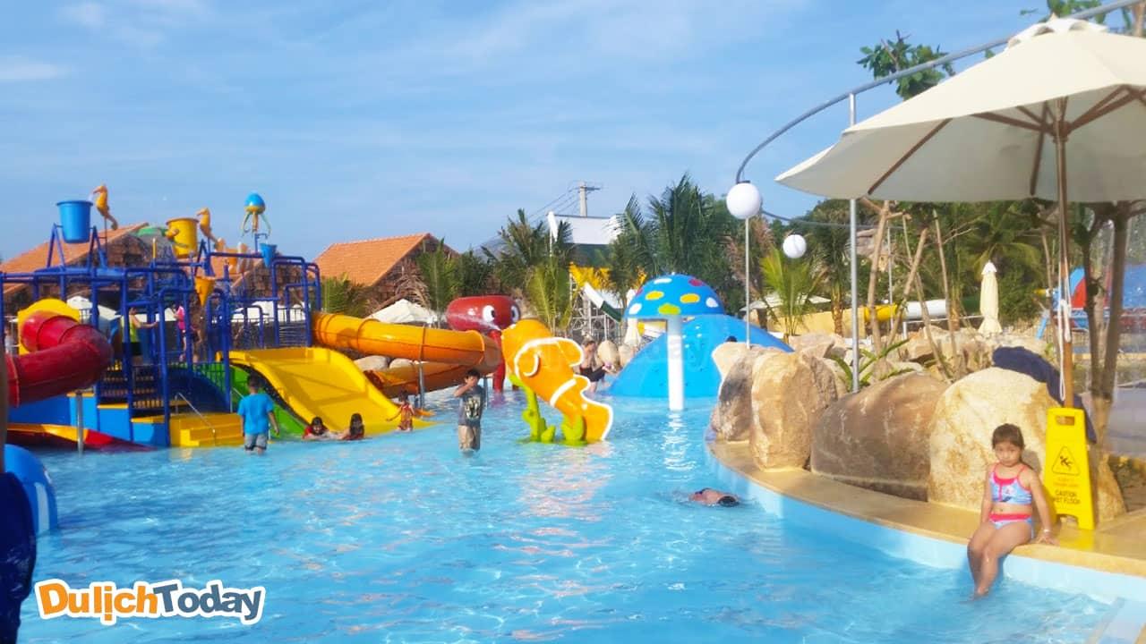 Trẻ em vui chơi thỏa thích tại công viên nước khoáng của I - Resort Nha Trang