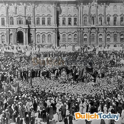 Cung điện mùa đông là nhân chứng cho nhiều giai đoạn lịch sử của nước Nga
