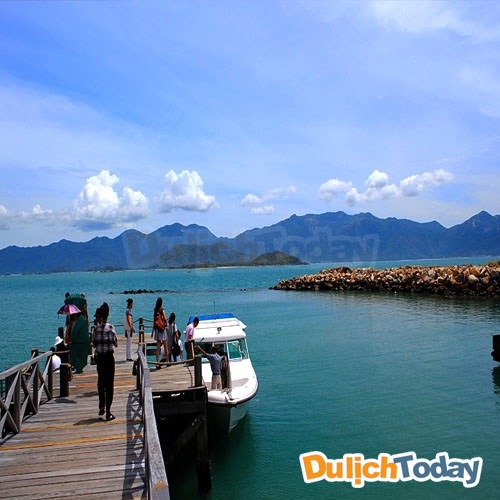 Di chuyển đến L'Alyana Ninh Vân Bay bằng tàu cao tốc