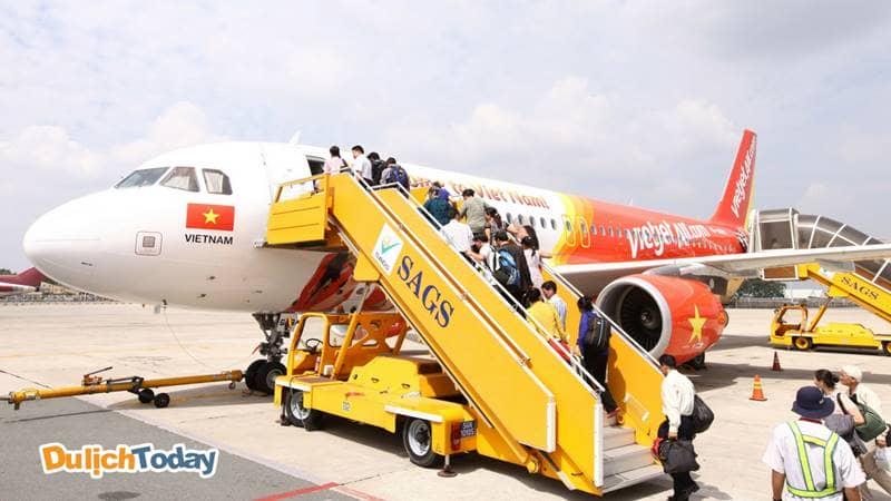 Di chuyển đến Nha Trang bằng máy bay