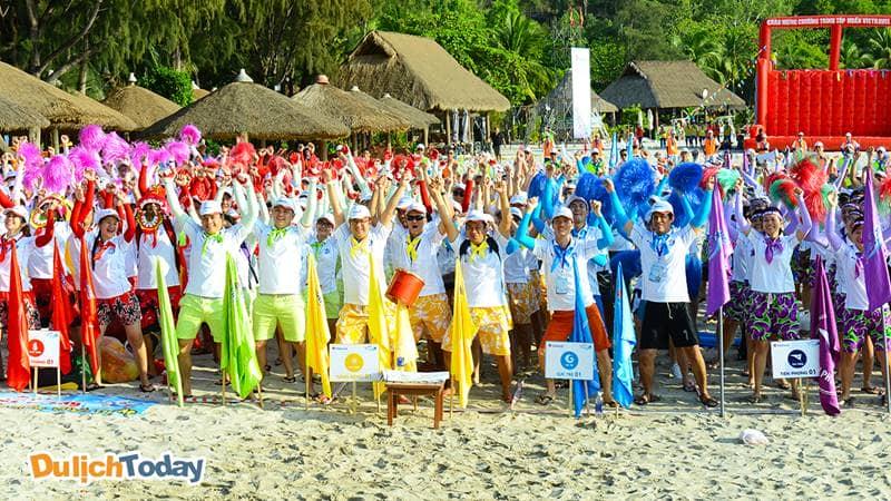 Biển Hải Tiến có sức chứa cho một đoàn du lịch team building khoảng dưới 1000 người.